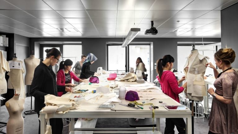 Top Fashion Schools – Initiate Your Profession within the Fashion Industry