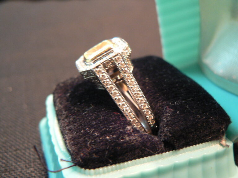 Read About Best Diamond Replica Rings Before You Buy